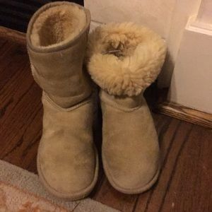 Ugg classic ankle boot sand brown size 6